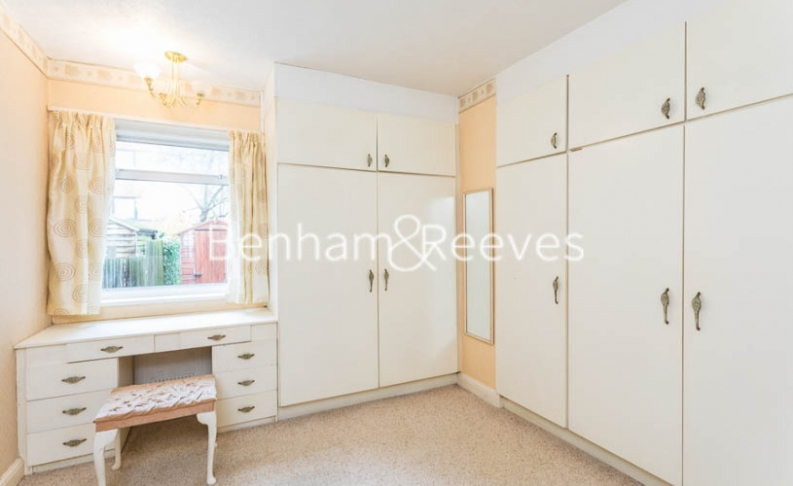 1 bedroom(s) flat to rent in Connell Crescent, Ealing, W5-image 14