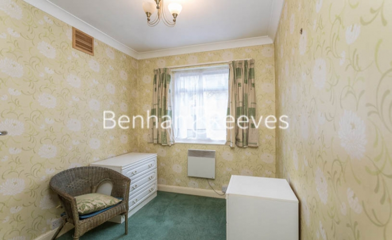 1 bedroom(s) flat to rent in Connell Crescent, Ealing, W5-image 15