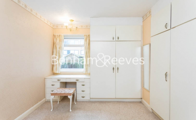 1 bedroom(s) flat to rent in Connell Crescent, Ealing, W5-image 18