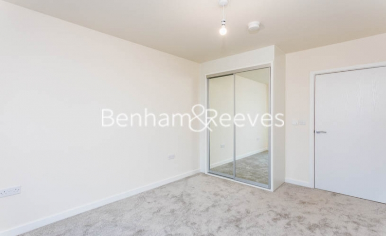 1 bedroom(s) flat to rent in Hargrave Drive, Harrow, HA1-image 7