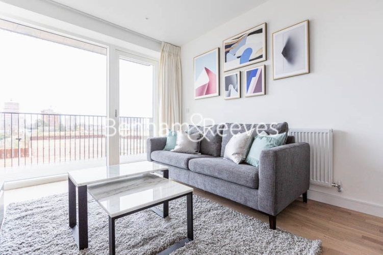1 bedroom(s) flat to rent in Accolade Avenue, Southall, UB1-image 1