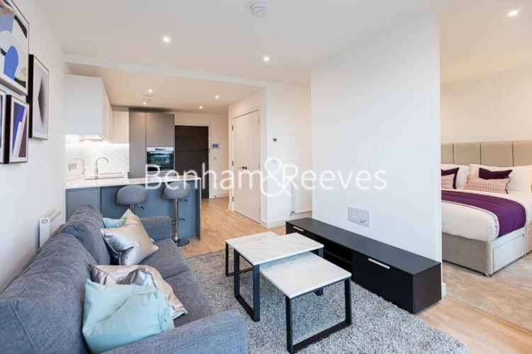 1 bedroom(s) flat to rent in Accolade Avenue, Southall, UB1-image 6