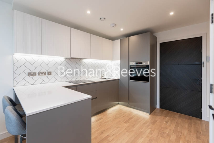 1 bedroom(s) flat to rent in Accolade Avenue, Southall, UB1-image 8