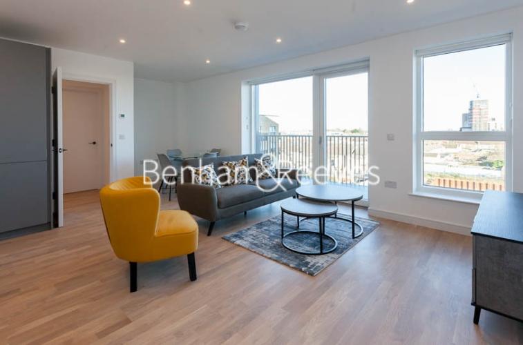 2 bedroom(s) flat to rent in Accolade Avenue, Southall, UB1-image 1