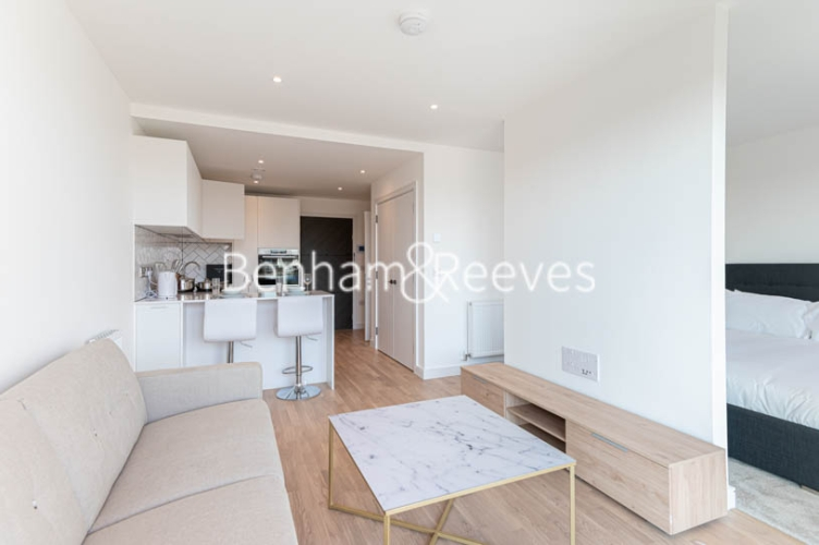 1 bedroom(s) flat to rent in Accolade Avenue, Southall, UB1-image 10