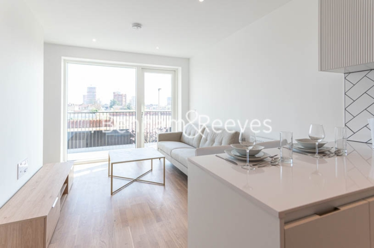 1 bedroom(s) flat to rent in Accolade Avenue, Southall, UB1-image 11