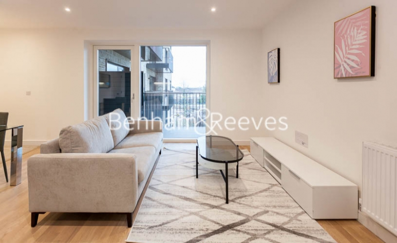 1 bedroom(s) flat to rent in Accolade Avenue, Southhall,UB1-image 1