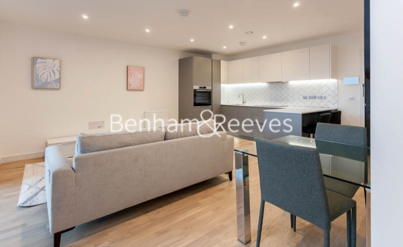 1 bedroom(s) flat to rent in Accolade Avenue, Southhall,UB1-image 3