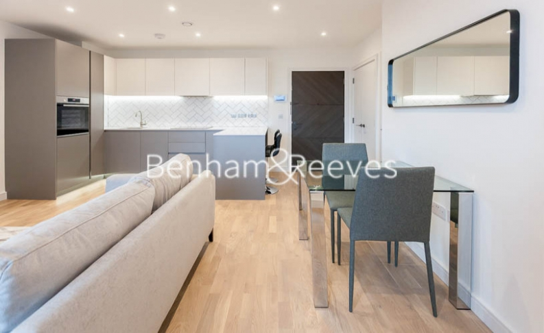 1 bedroom(s) flat to rent in Accolade Avenue, Southhall,UB1-image 4