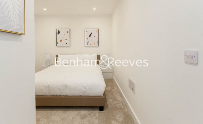 1 bedroom(s) flat to rent in Accolade Avenue, Southhall,UB1-image 5