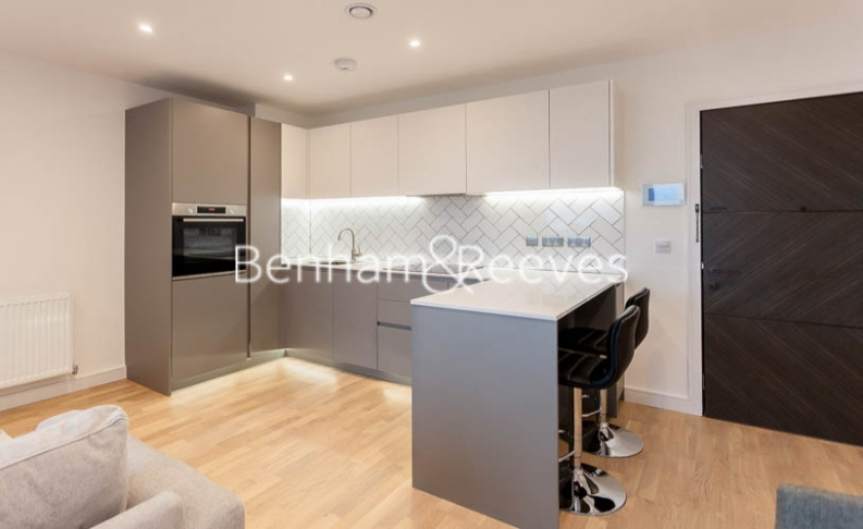 1 bedroom(s) flat to rent in Accolade Avenue, Southhall,UB1-image 9