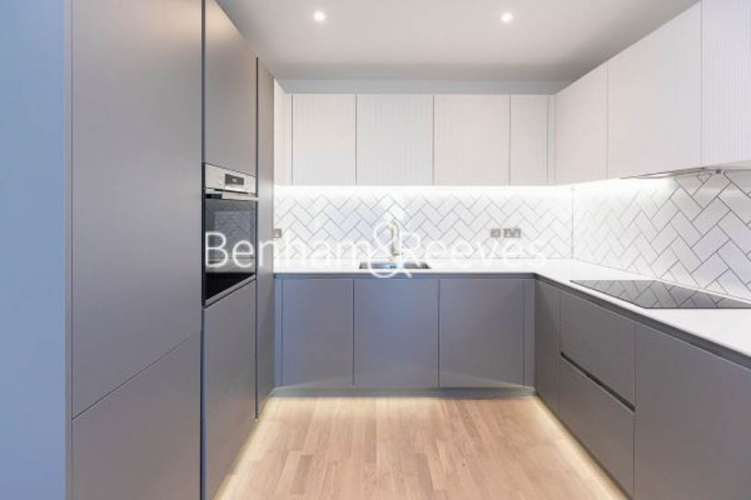 1 bedroom(s) flat to rent in Greenleaf Walk, Southall, UB1-image 2