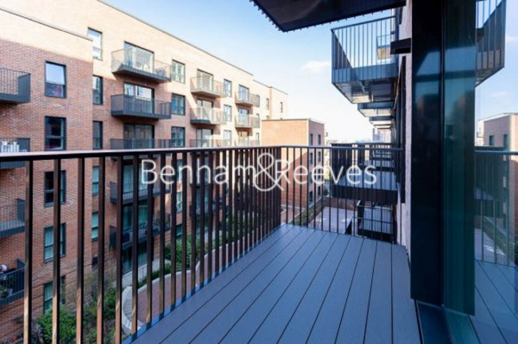 1 bedroom(s) flat to rent in Greenleaf Walk, Southall, UB1-image 6