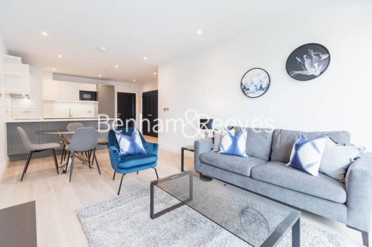 2 bedroom(s) flat to rent in Filmworks Walk, Ealing, W5-image 1