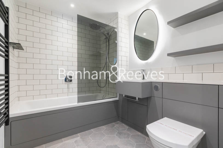 2 bedroom(s) flat to rent in Filmworks Walk, Ealing, W5-image 4