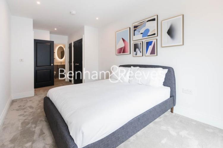 2 bedroom(s) flat to rent in Filmworks Walk, Ealing, W5-image 8