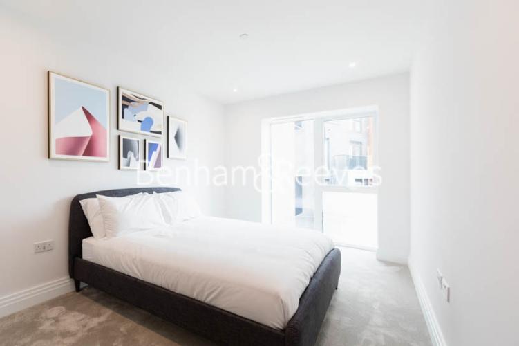 2 bedroom(s) flat to rent in Filmworks Walk, Ealing, W5-image 16