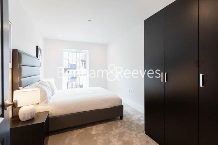 2 bedroom(s) flat to rent in Filmworks Walk, Ealing, W5-image 17