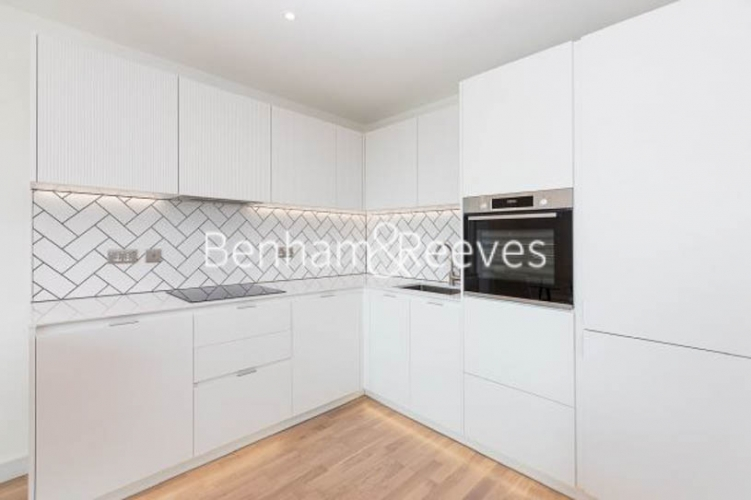 2 bedroom(s) flat to rent in Accolade Avenue, Southall, UB1-image 2