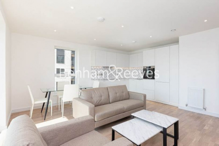 2 bedroom(s) flat to rent in Accolade Avenue, Southall, UB1-image 6