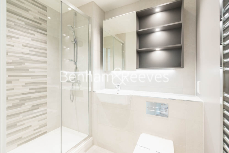 2 bedroom(s) flat to rent in Greenleaf Walk, Southall, UB1-image 4