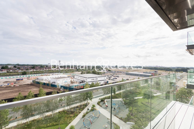 2 bedroom(s) flat to rent in Greenleaf Walk, Southall, UB1-image 5
