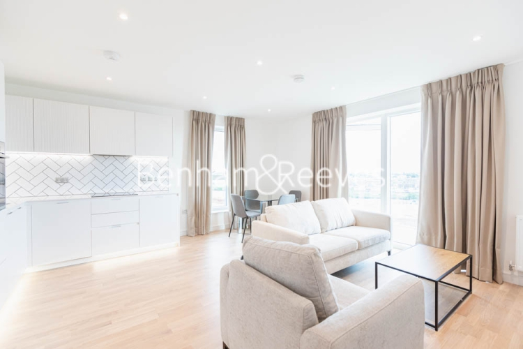 2 bedroom(s) flat to rent in Greenleaf Walk, Southall, UB1-image 7