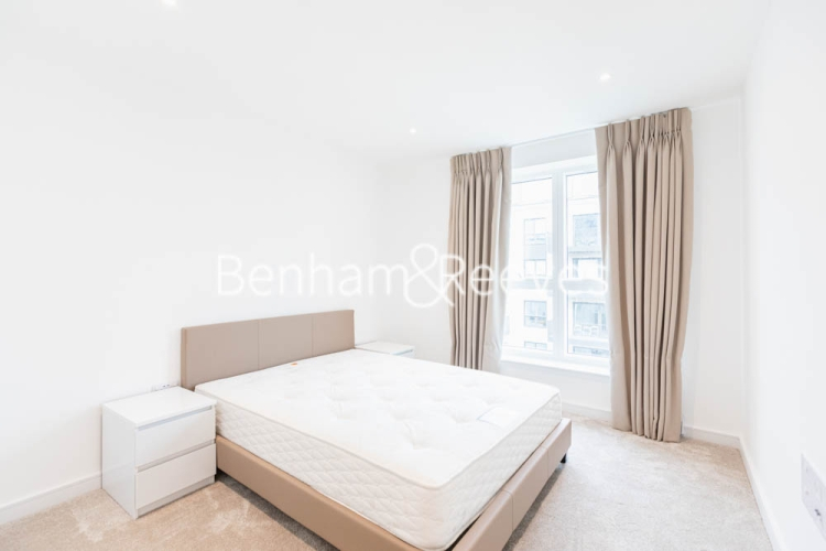 2 bedroom(s) flat to rent in Greenleaf Walk, Southall, UB1-image 8