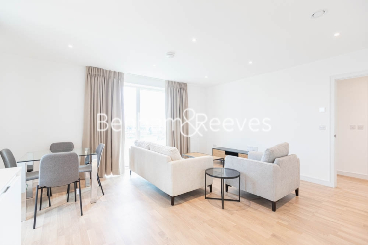 2 bedroom(s) flat to rent in Greenleaf Walk, Southall, UB1-image 10