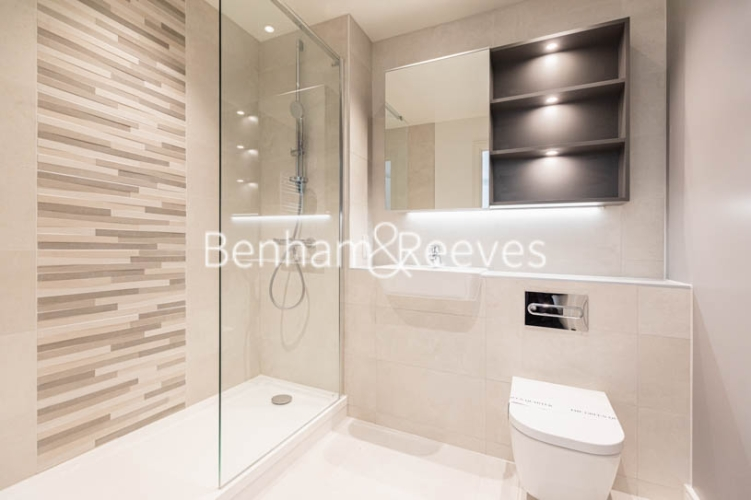 1 bedroom(s) flat to rent in Greenleaf Walk, Southall,UB1-image 3