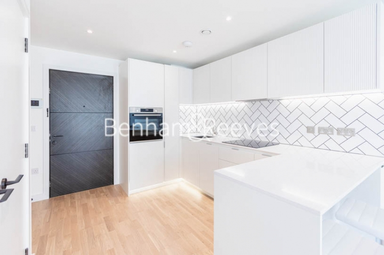 1 bedroom(s) flat to rent in Greenleaf Walk, Southall,UB1-image 9