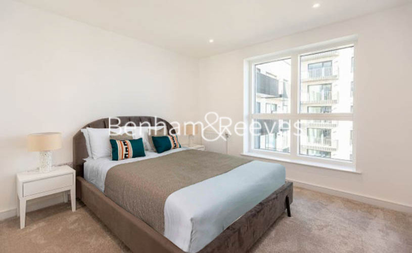 1 bedroom(s) flat to rent in Greenleaf Walk,Southall, UB1-image 4