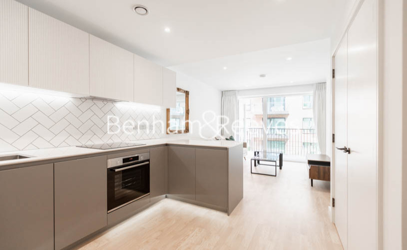 1 bedroom(s) flat to rent in Greenleaf Walk, Southall, UB1-image 7