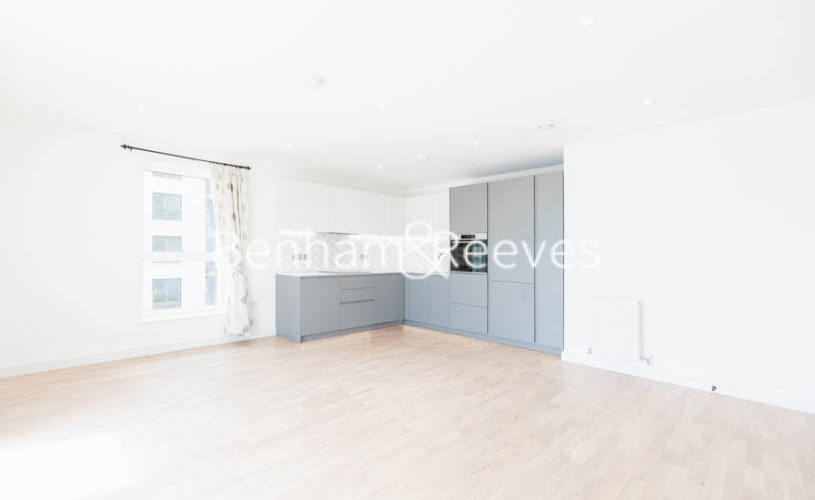 2 bedroom(s) flat to rent in Accolade Avenue, Southall, UB1-image 11