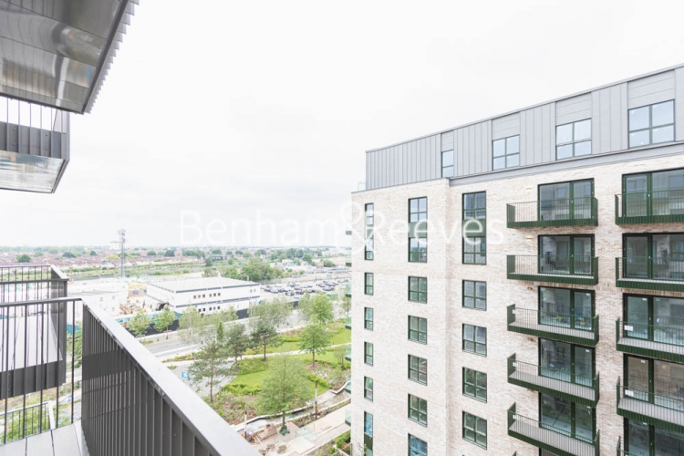 1 bedroom(s) flat to rent in Greenleaf Walk, Southall, UB1-image 12