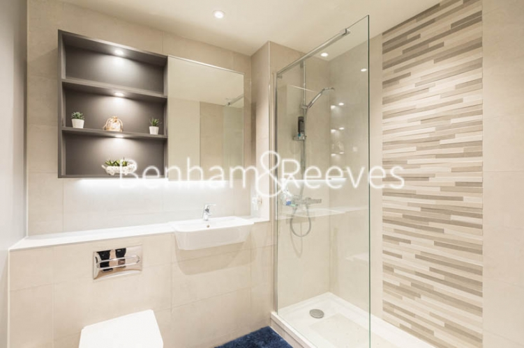 1 bedroom(s) flat to rent in Greenleaf Walk, Southall, UB1-image 4