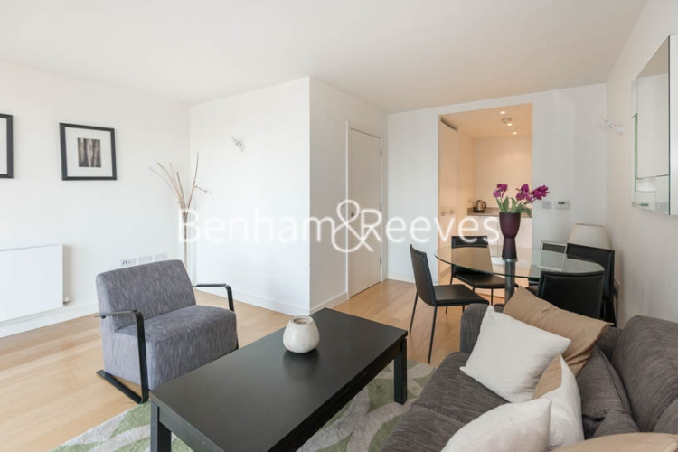 1 bedroom(s) flat to rent in Station Approach, Hayes, UB3-image 1