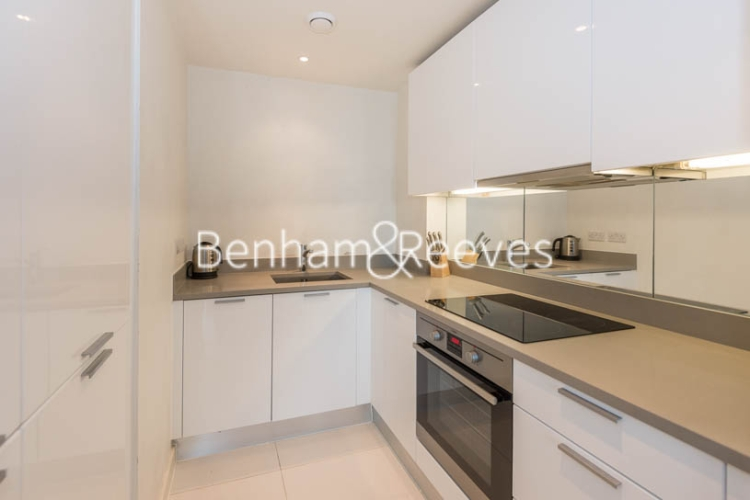 1 bedroom(s) flat to rent in Station Approach, Hayes, UB3-image 2