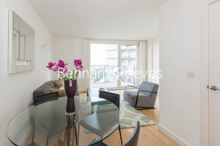 1 bedroom(s) flat to rent in Station Approach, Hayes, UB3-image 3