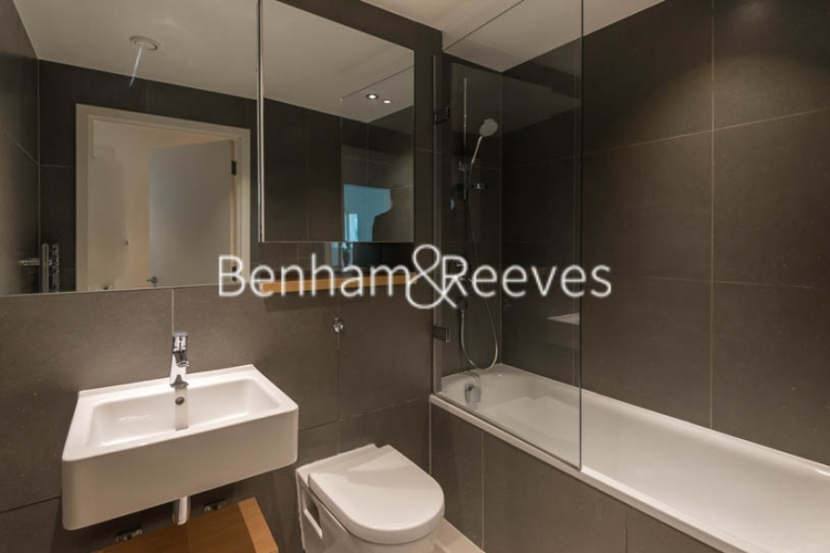 1 bedroom(s) flat to rent in Station Approach, Hayes, UB3-image 5
