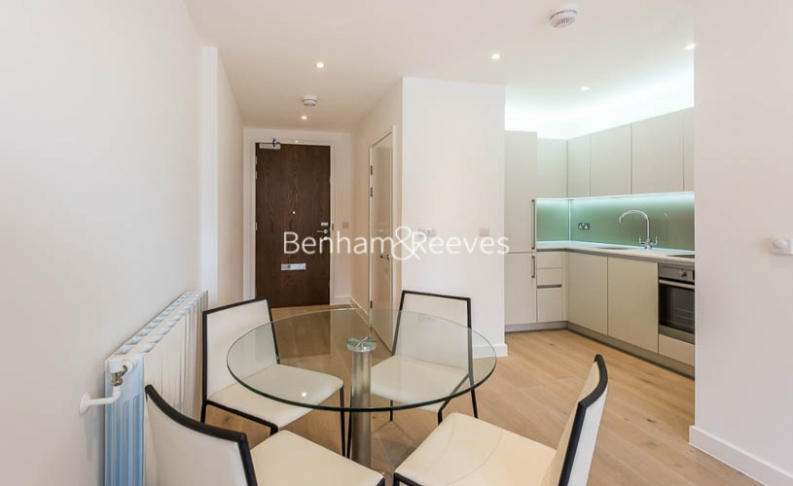Studio flat to rent in Tudway Road, Kidbrooke, SE3-image 2