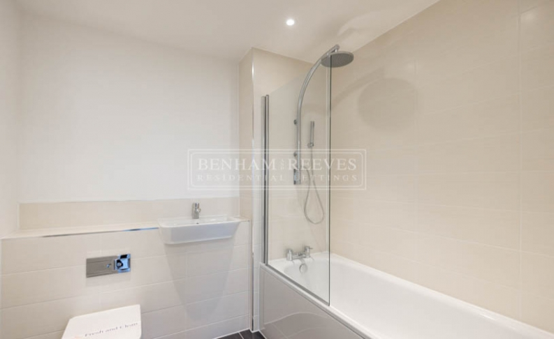 2 bedroom(s) flat to rent in Bessemer Place, North Greenwich, SE10-image 4