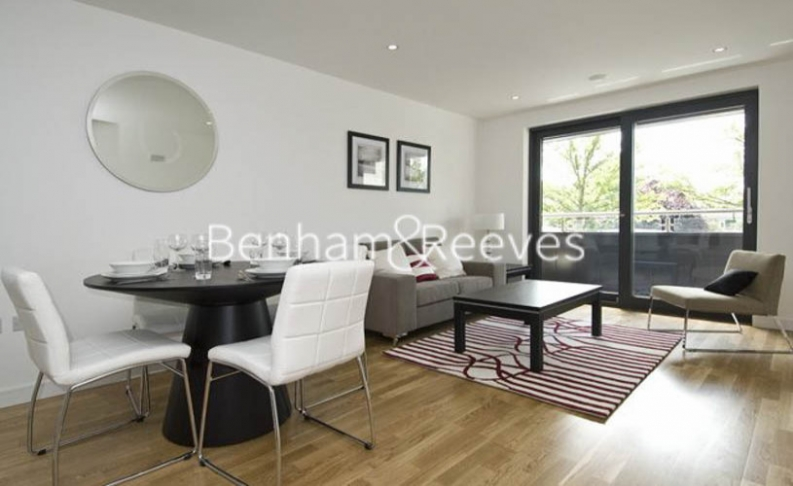 2 bedroom(s) flat to rent in Avershaw House, Putney Square, SW15-image 1