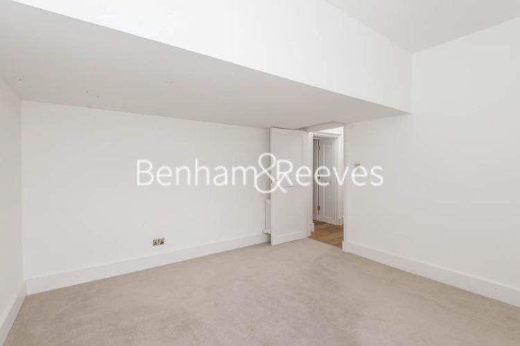 3 bedroom(s) flat to rent in Roehampton House, Roehampton, SW15-image 3
