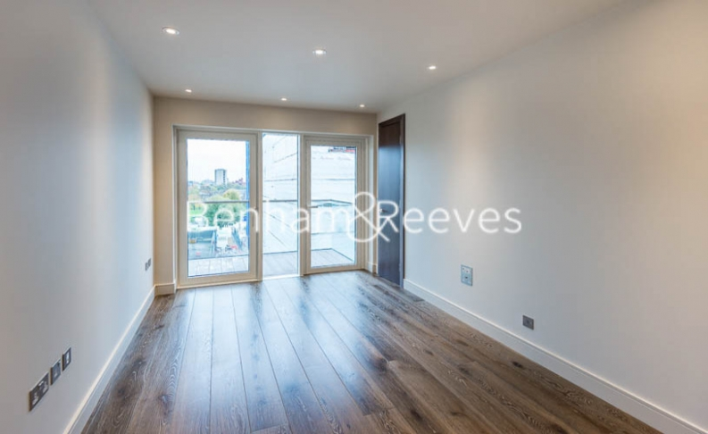 4 bedroom(s) flat to rent in Regatta Lane, Hammersmith, W6-image 14