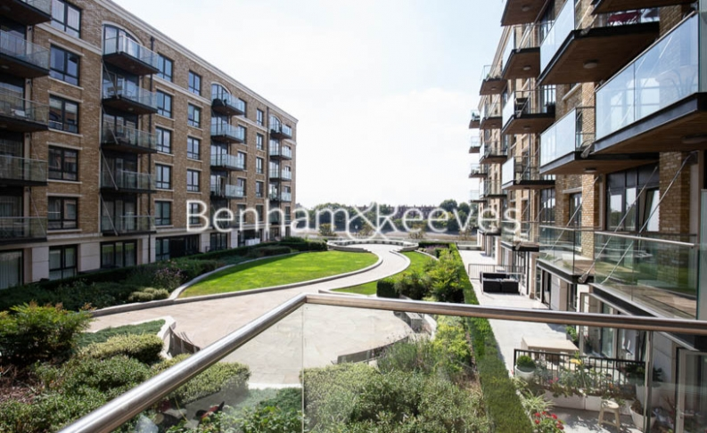 2 bedroom(s) flat to rent in Distillery Wharf, Fulham Reach, W6-image 10