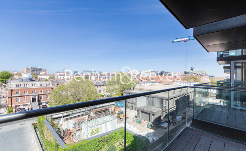 2 bedroom(s) flat to rent in Fulham Reach, Hammermsith, W6-image 11