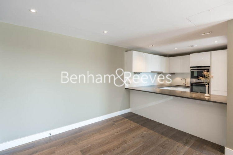 2 bedroom(s) flat to rent in Fulham Reach, Hammersmith, W6-image 2