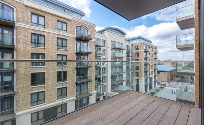 3 bedroom(s) flat to rent in Parr's Way, Hammermsith, W6-image 15