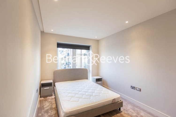 2 bedroom(s) flat to rent in Brunswick House, Fulham Reach, W6-image 3